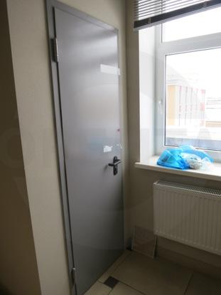 Дверь металлическая противопожарная (огнестойкая), EI 60. Цвет RAL 7035. Производитель: «PADILLA», Испания