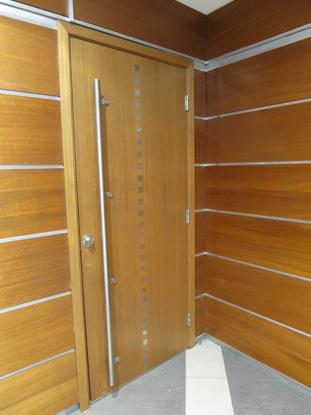 Дверь деревянная усиленная шпонированная одностворчатая (однопольная) для офиса, шумоизоляционная 42 db. Производитель: «Вильянди», Эстония. Фурнитура: «ABLOY», Финляндия