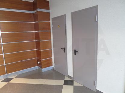 Двери металлические одностворчатые (однопольные) противопожарные (огнестойкие), EI 60. Окрашены по RAL 7035. Производство: г.Клин, Россия