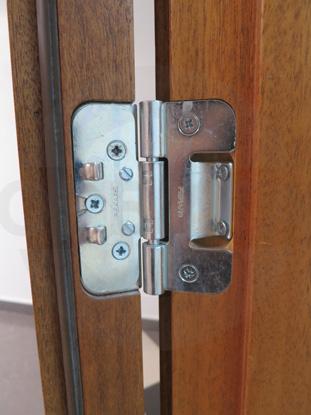 Петля для усиленных деревянных дверей. Производитель: «FISKARS», Финляндия