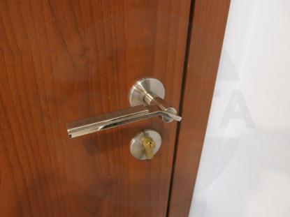 Ручка нажимная + комплект замка с цилиндром, цвет – Хром. Производитель:«Doorlock», Россия