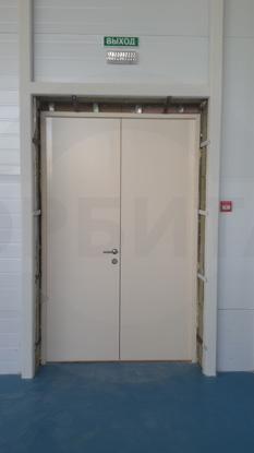 Пластиковые двери КАПЕЛЬ RAL 9001