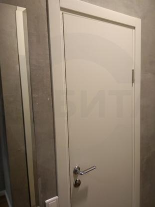 Двери Капель, белые, с замком СКУД