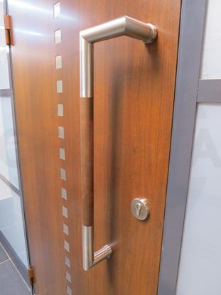 Металлические окрашенные двери, спец-покрытие (кубики), пр-во Эстония