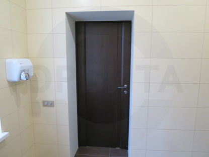Ульяновские межкомнатные двери. Переклеенный массив сосны, покрытый шпоном Ореха, тонированным под Тёмный Орех
