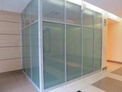 Система алюминиевых офисных перегородок (цвет RAL 7035). Пр-во Россия.