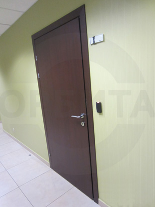 Двери производства Д.Крафт усиленная с заполнением трубчатым ДСП покрытием CPL темный дуглас.