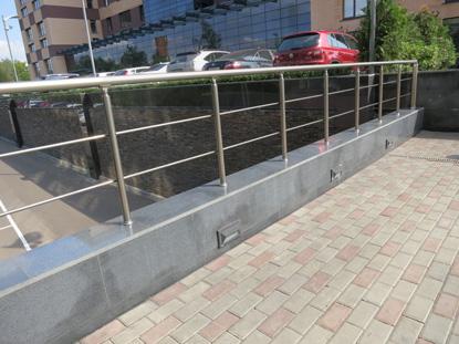 Уличные алюминиевые ограждения