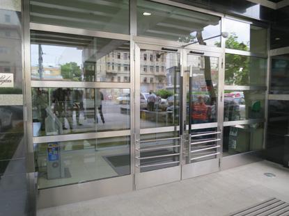 Входная фасадная группа, нержавеющая сталь, профиль Schuco, Германия