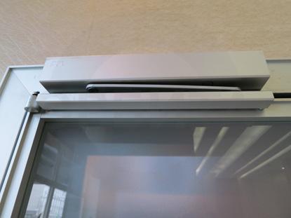 Стеклянная дверь в алюминиевом профиле, монтаж Орбита Гласс